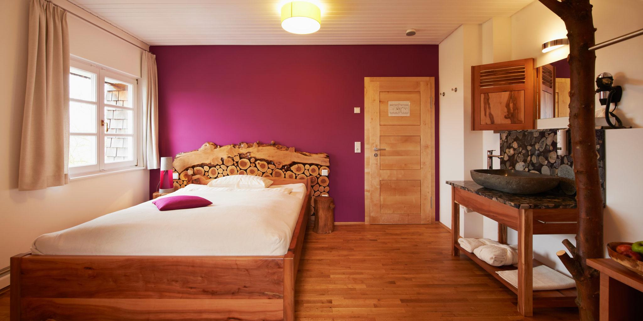 Biohotel Lindengut Dipperz BaumArt Zimmer Pink
