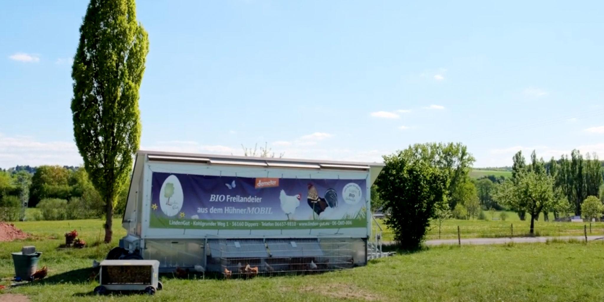 Biohotel Lindengut Dipperz Demeter Landwirtschaft Hühnermobil